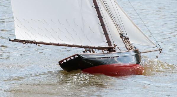 Gaff-rigged pilot cutter, John Geall, Jolie Brise, SRCMBC, Setley Pond, Solent Radio Control Model Boat Club
