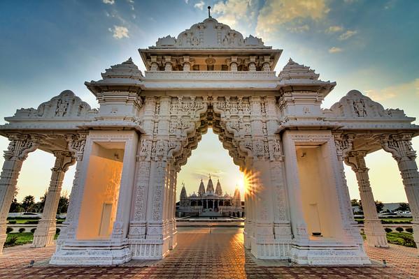 Hindu Mandir<br /> The other evening I had a chance to tag along with a local photo club and visit the Shri Swaminarayan Mandir, a Hindu temple.
