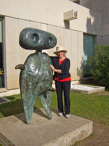 Dorothy with sculpture by Miro