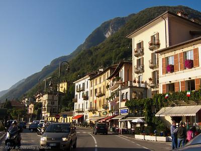 Busy tourist town on Lake Como