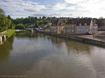 Canal and locke in Clamecy