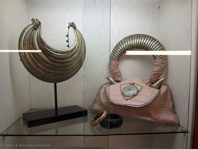 Francesca Gori's bags have decorative closures with bobbles of silver, gold, semi-precious stones and other rare materials such as fossils, quartz, amber all from antique jewelry.