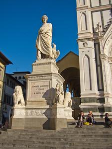 Dante Alighieri sculpture in front of Santa Croce