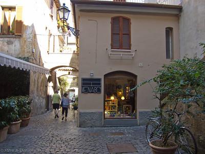 Adrian and Josephine explore Orvieto.