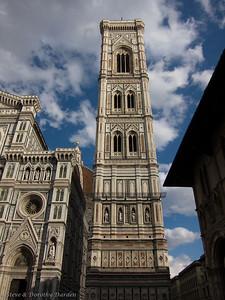 The facade of the Duomo and Giotto's campanile
