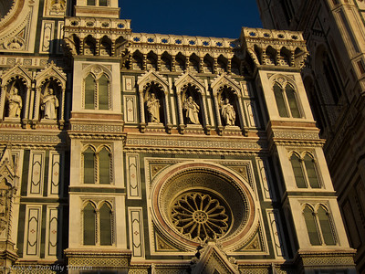 Details of the stone facade of the Duomo