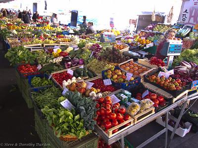 Florence - Piazza Annigoni Market