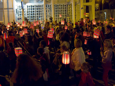 National Day: 3,500 candle-lit lanterns