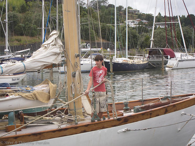 David Dyche, Jr. aboard the Schooner NINA turning around at Town Basin marina