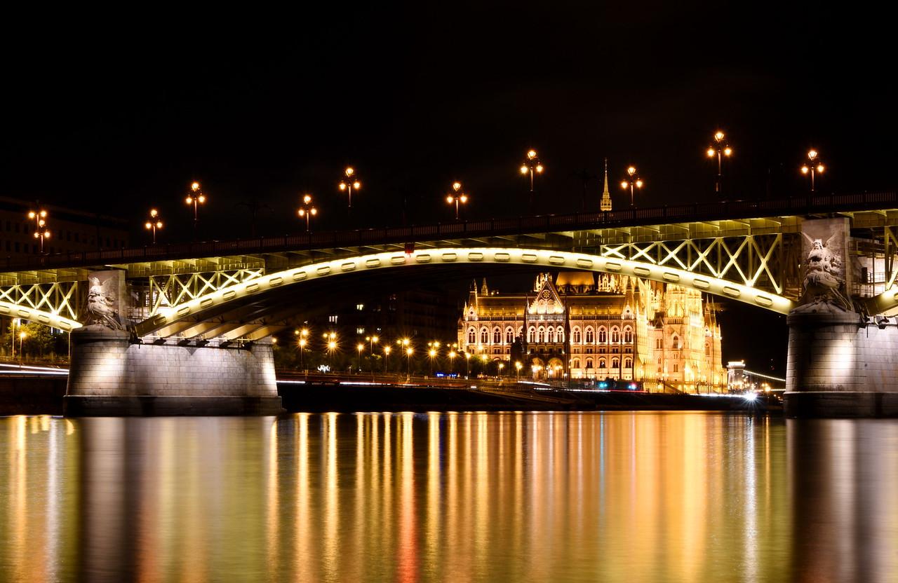 Margit híd & Parliament