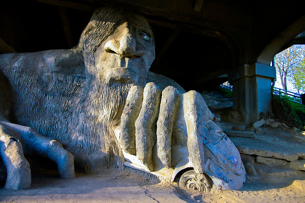 Aurora Bridge Troll