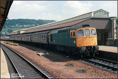 33031 calls at Bath Spa whilst working 1V58 1110 Portsmouth  Harbour-Cardiff Central on 09/08/1986.