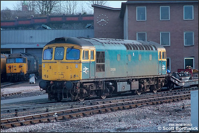 33038 stands on Bristol Bath Road TMD (BR) on 03/05/1986.