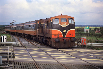 Class 141, number 148 arrives at Farrenfore with the 1710 Tralee-Cork service on 01/10/1998.