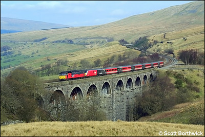 47746 'The Bobby' crosses Dent Head Viaduct whilst working 1M18 0734 Glasgow Central-London Euston on 23/03/2002.