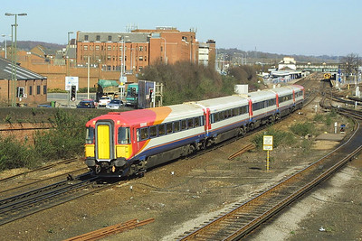 2421 speeds south through Eastleigh on 14/03/2003.