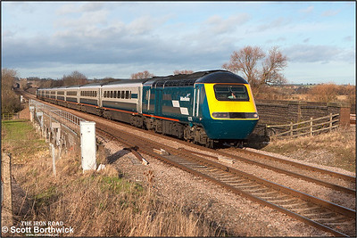 43178/43184 race through Radwell on 03/01/2005 with 1B29 1230 Nottingham-London St Pancras.