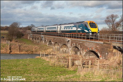222018 heads north at Radwell on 03/01/2005 crossing the River Great Ouse whilst working 1D27 1300 London St Pancras-Nottingham.