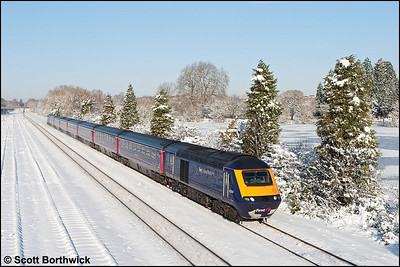 43150/43148 form 1P39 1101 Oxford-London Paddington passing Hinksey on 07/01/2010.
