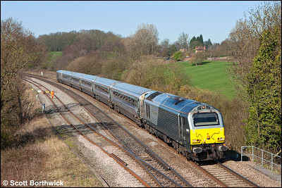 67013 'Dyfrbont Pontcysyllte' passes Hatton Locks whilst working 1H32 1055 Birmingham Moor Street-London Marylebone on 26/03/2012.