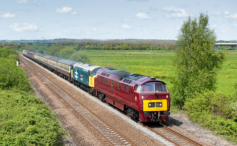 D1015 and 40135 on the Class 40 Preservation Society's 1Z40 05:20 Crewe to Penzance 'East Lancs Champion' railtour