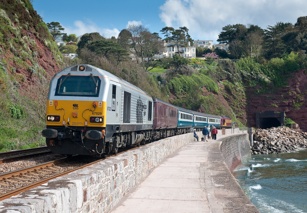 67029 on 0800 cardiff-Paignton