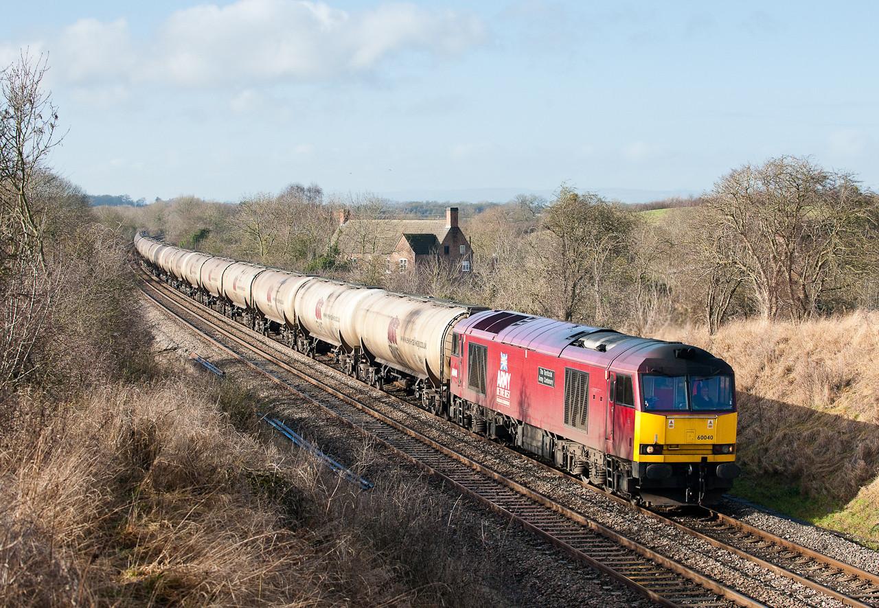 60040 6E41 11:41 Westerleigh-Lindsey  at Coaley (55min early)
