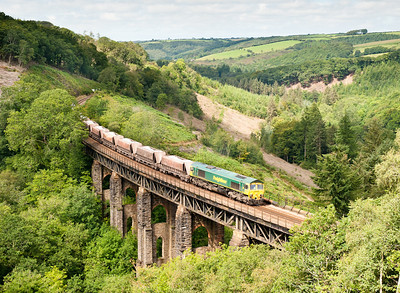 100811 66603 on 6C59 11:00 Burngullow-Hackney yard cross largin viaduct