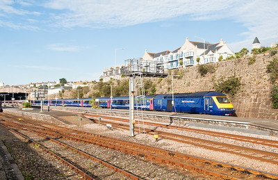 190811  An overall view of Penzance station,as ever with Cornwall its the lack of interesting trains to photograph.