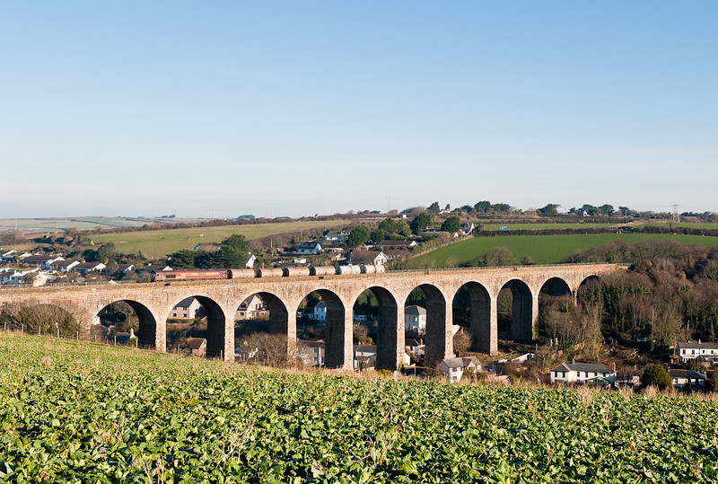 6C21 09:22 St Blazey  to Long rock.Accross the 720 foot Angarrack viaduct