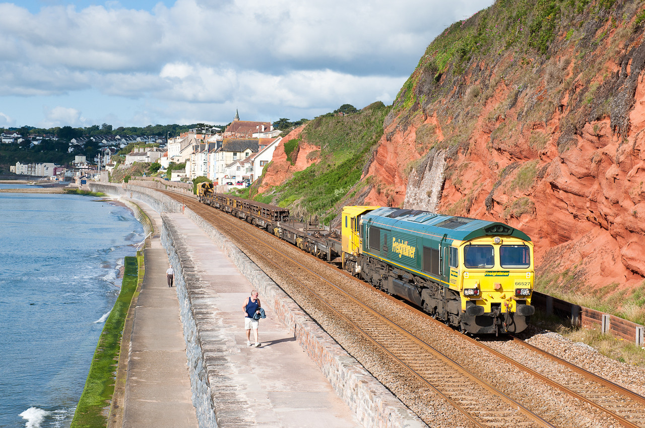 66527 passes Dawlish with a Hackney to Eastleigh working,never seen a Fred on the sea wall so well pleased with this.