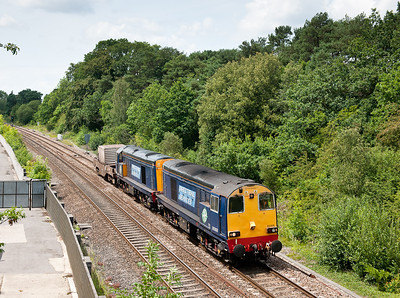 110711 20308 20309 6M67 M/ThO 13:02 Bridgwater-Crewe pass Ram Hill.Always a difficult train to photograph with the sun mainly being wrong.Quite pleased with this and thanks to the Bristol Boys for the company whilst waiting