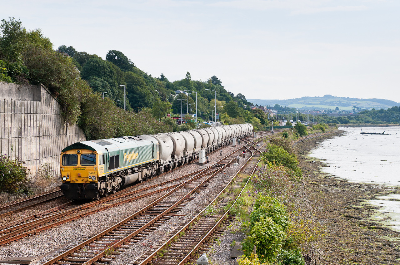290711 Right behind the NMT.66621 on C17  FO-Q 06:53 Westbury cem.wks.-Moorswater at Laira.