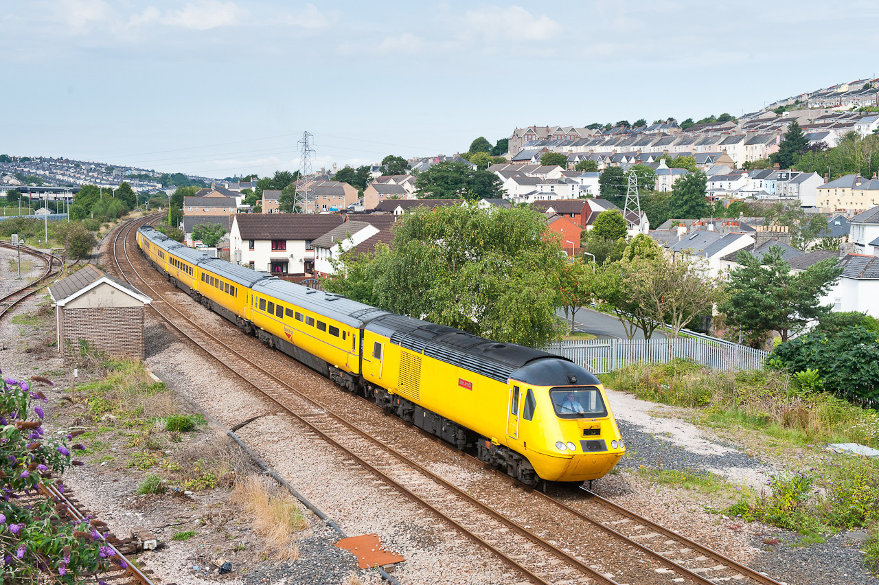 290711 Again I was thankful for the light I got,roll on Autumn.43062 and 43014 on 1Q19  FO-Q 10:01 Plymouth-Paddington at Laira.