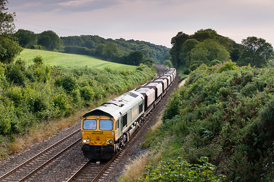 120711 66614 on 6A59 MWO-Q 17:45 Burngullow-Didcot grinds up hemerdon at at walking pace.Two freights in 15 minutes,is this really West Devon?