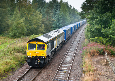 090911 First time to see a Fastline engine so thought  I'd include it.66434 on 4D47 13:14 Inverness-Mossend pass Moy.