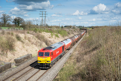 100412 6B13 and 6B33 in the same day.....60063 has just passed under the Fosse way bridge with the 6B33 TThO 13:35 Theale-Robeston