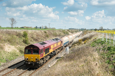 130412 Was lucky to get this,then it was lights out for the day....66041 6B35  MWFO 10:47 Hayes-Moreton on Lugg at Fosse way bridge