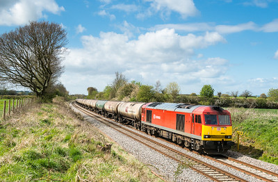 170412  I was about half a mile north of the assistant and was so pleased this came in a patch of blue....... 60054 on the 6E41 MTThO 11:41 Westerleigh-Lindsey near Coaley.
