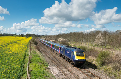100412  scouting for locations for 6B33 we came across this near Farleaze.A FGW 125 heads towards Paddington.