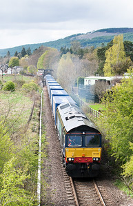 090512 66429 heads 4D4713:23 Inverness-Mossend out of Blair Atholl