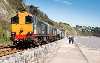010512 Left the assistant back along the sea wall,her take on 6Z40,pity the front loco is so grubby.