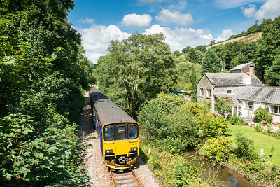 060813  It has to be 150124 again.Heading the 1247 Liskeard -Looe past Plashford farm.