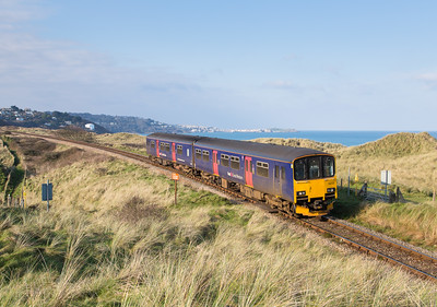 200113  The sun was pretty short lived and shortly before lights out 150122 heads back to St Erth.St Ives can be seen in the background