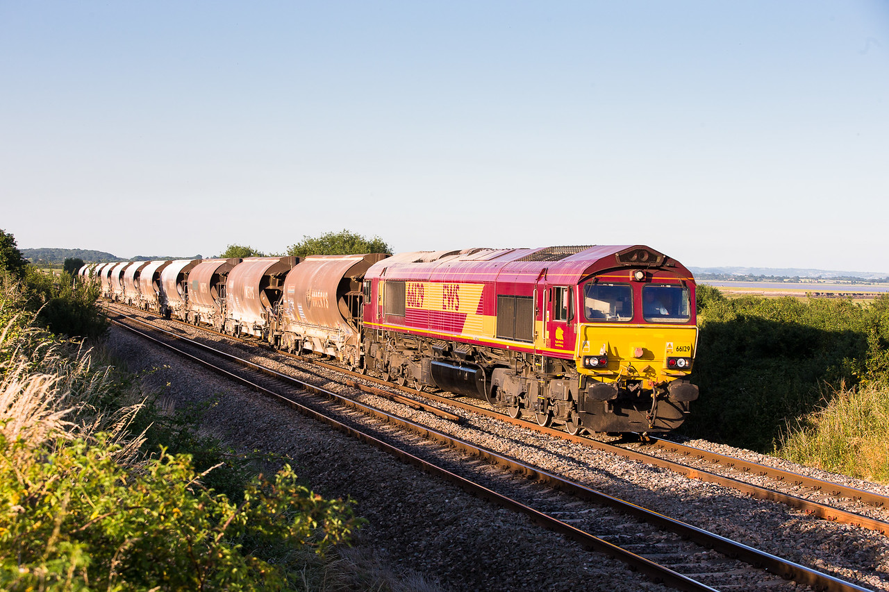 090713 Right behind the tanks.....66129 heads the 6V69 TO  16:58 Bescot-Newport ADJ through the last of the light at Plusterwine.