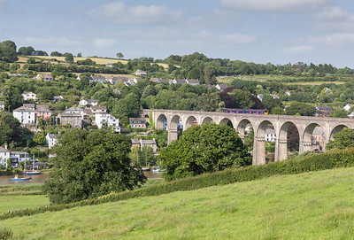 040713 150101 heads the 1725 Gunnislake to Liskeard over Calstock viaduct