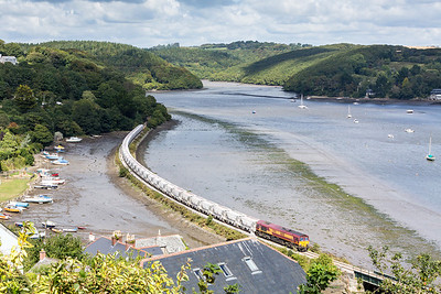 100913   66081 passes Golant with 6P24 13:45 Parkandillack-Fowey,this was taken at 1340 so early running is the order of the day for this train!!!