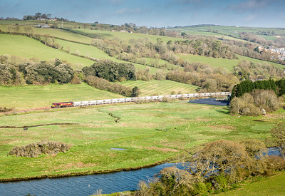 160414  This was the shot I wanted when I arrived.With several floaters around it was nearly disaster.66176 heads down the branch near Shirehall moor to Fowey with 6G06  07:40 Goonbarrow-Fowey