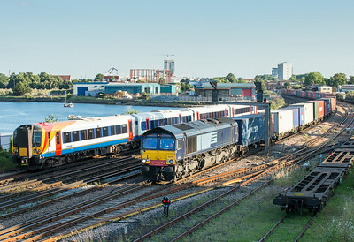 100714  66418  passes St Denys with the 4M04  19:14 Southampton Maritime-Lawley Street