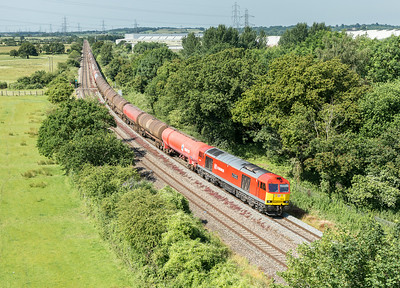 020714  66040 is about to pass under the Wye bridge with the 6B13   05:00 Robeston-Westerleigh